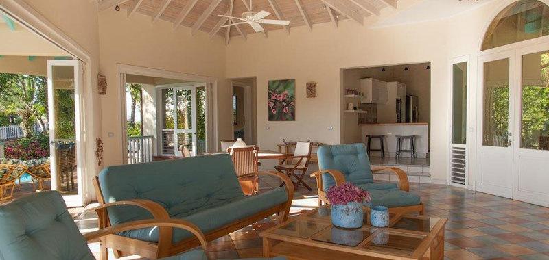 Antigua villa 001 03