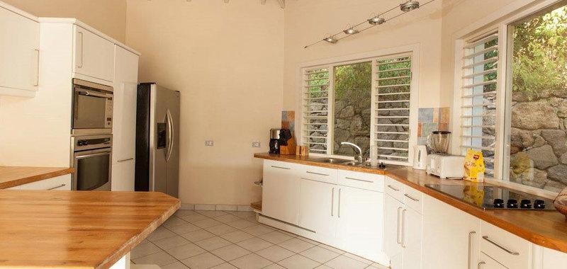 Antigua villa 001 07
