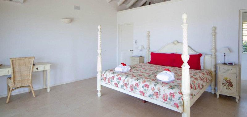 Antigua villa 13 09