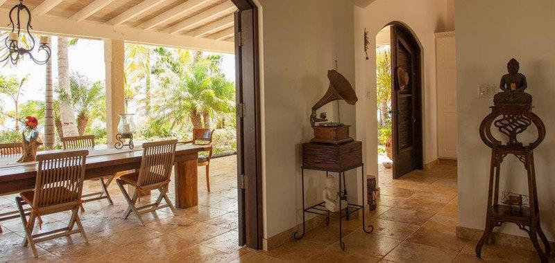 Antigua villa 25 08
