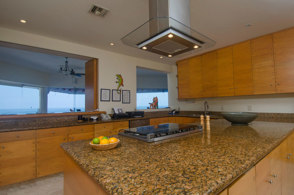 032 clv kitchen north 01