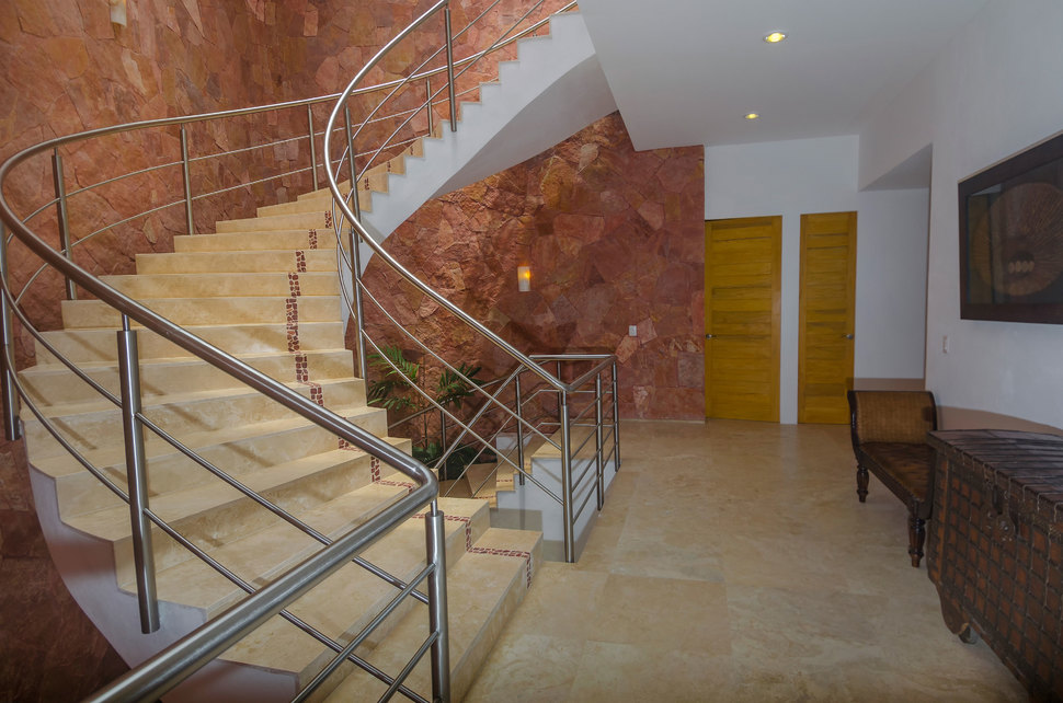 068 clv stairs north 02