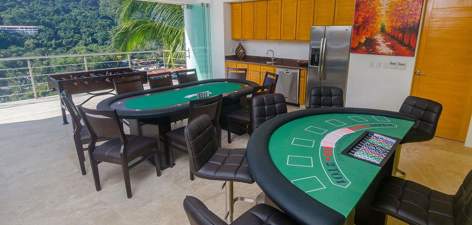 Casa mismaloya game room 05