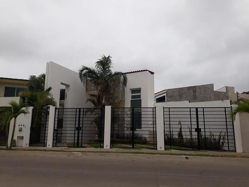 Casa Rebeca
