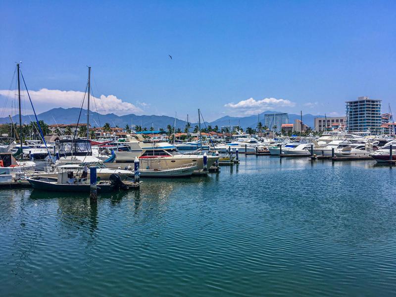 Sn Av. Pso. De La Marina Lc 11 A, Local Marina Golf, Puerto Vallarta, Ja